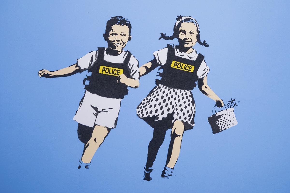 'Police Kids', otra de sus creaciones.
