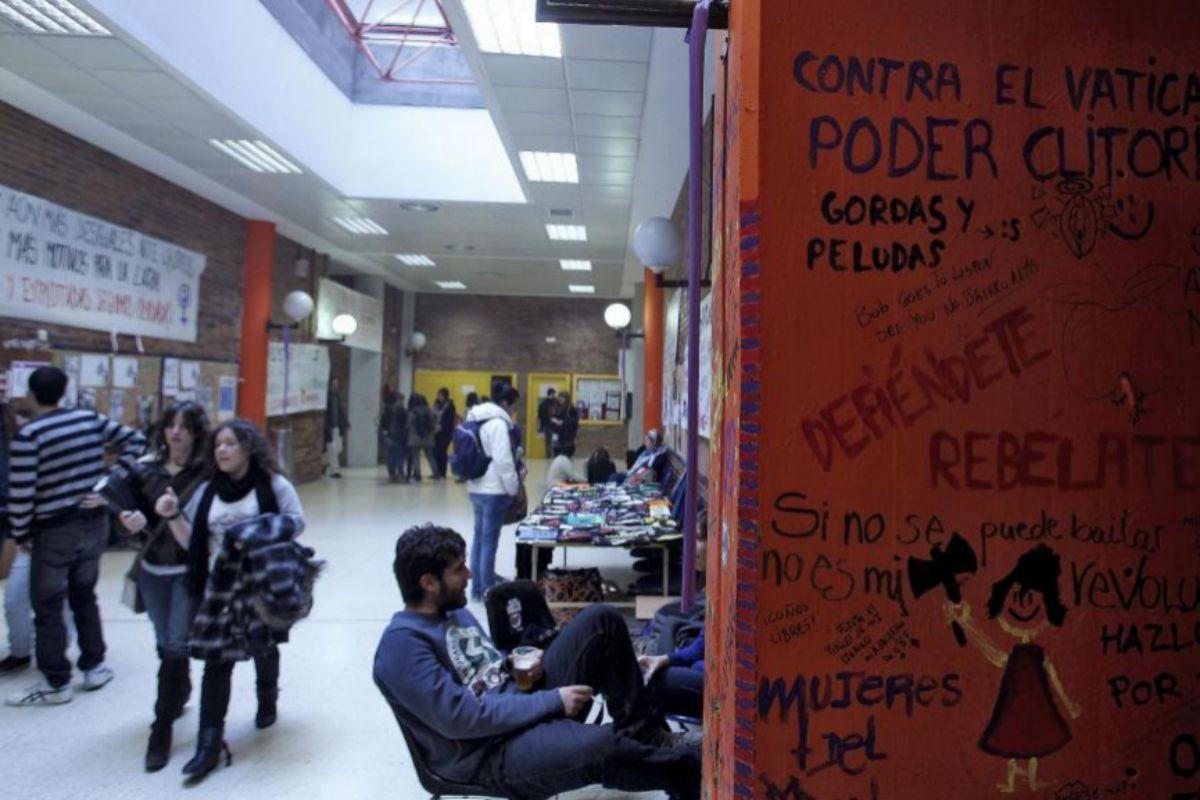 Imagen de la Facultad de Políticas de la Complutense.