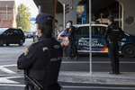 Detenido tras encerrar a las dependientas de una tienda en Zaragoza y ponerse a atender a los clientes