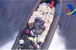 Detenidos cinco tripulantes de una narcolancha cargada con 2.000 kilos de hachís tras una espectacular persecución en alta mar