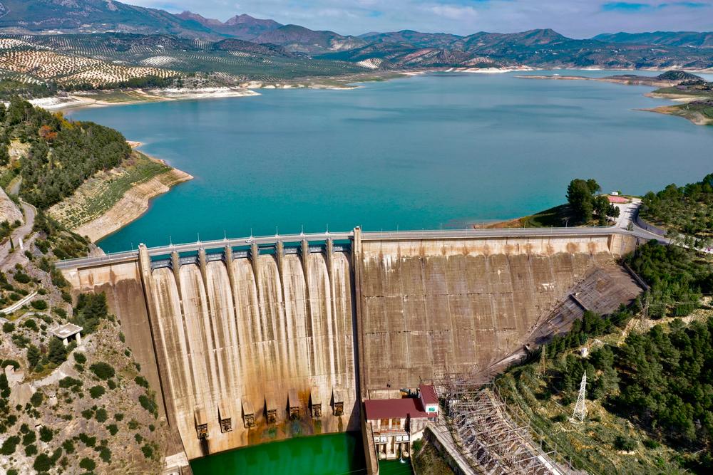 La presa es una de las mayores obras de ingeniería reciente en España.