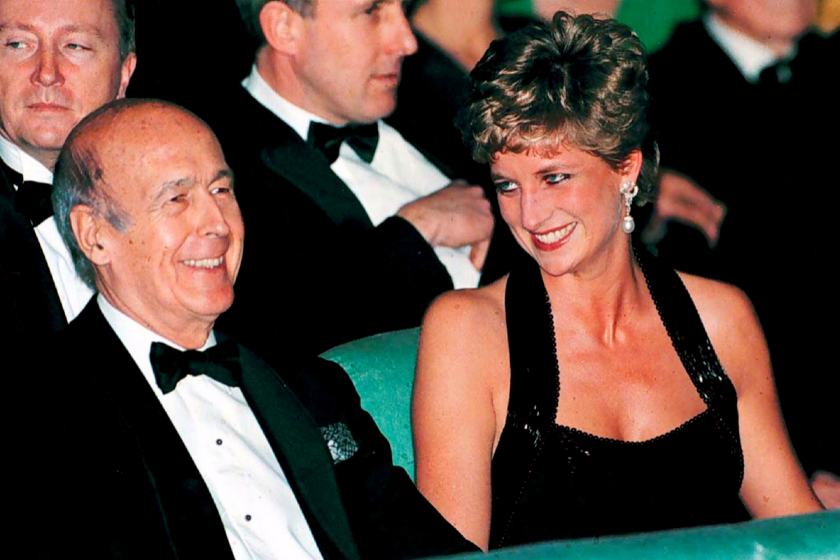FILE PHOTO: Diana Princess of Wales and former French President lt;HIT gt;Giscard lt;/HIT gt; d'Estaing during theatre event at Versailles