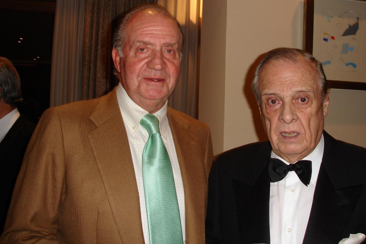 El Rey Juan Carlos con Sabino Fernández Campo en su 90 cumpleaños.