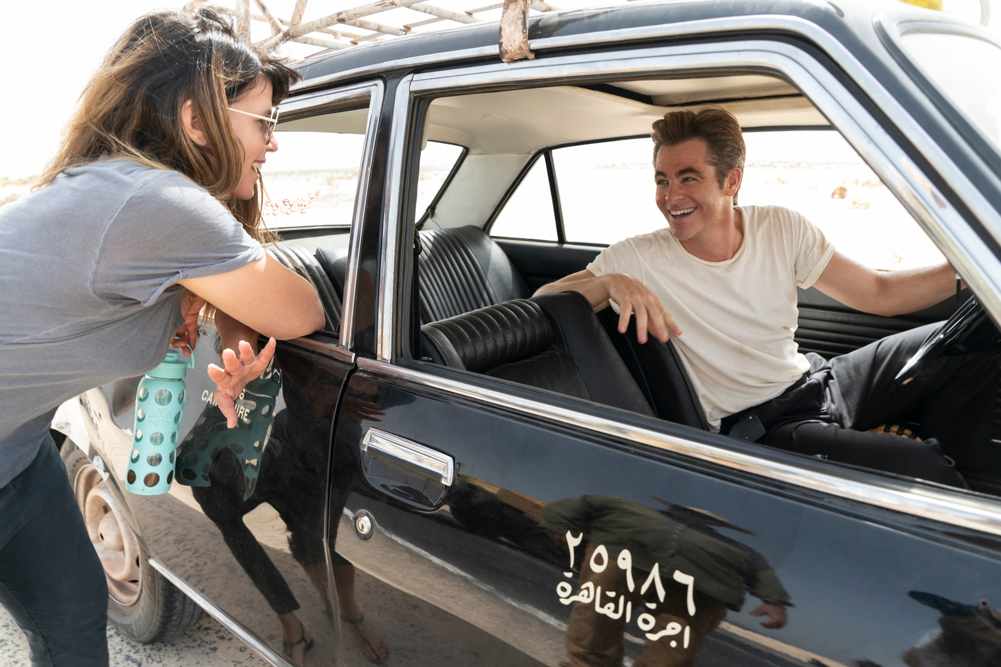 Patty Jenkins y Chris Pine, durante el rodaje en Almería.