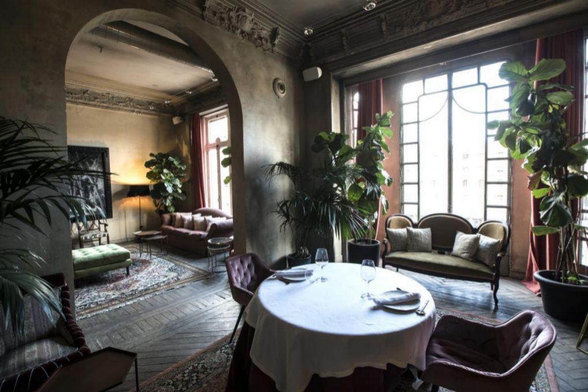 Uno de los salones privados para comer o cenar.