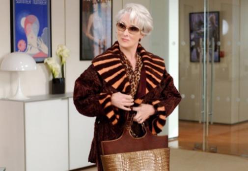 En la película 'El diablo viste de Prada', Meryl Streep llevó un granny hair. Foto: Gtresonline.