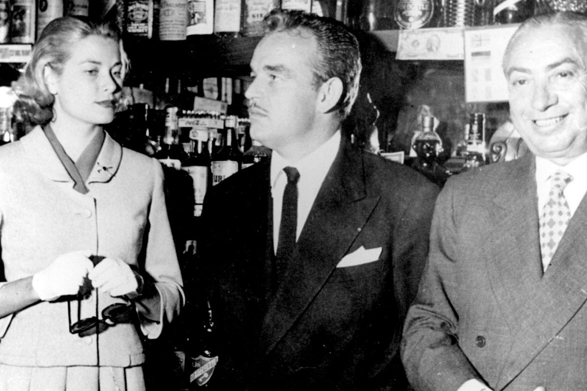 Grace Kelly, el príncipe Rainiero y Chicote.
