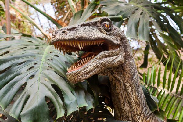 Exposición de dinosaurios en el Escenario Puerta del Ángel de la...