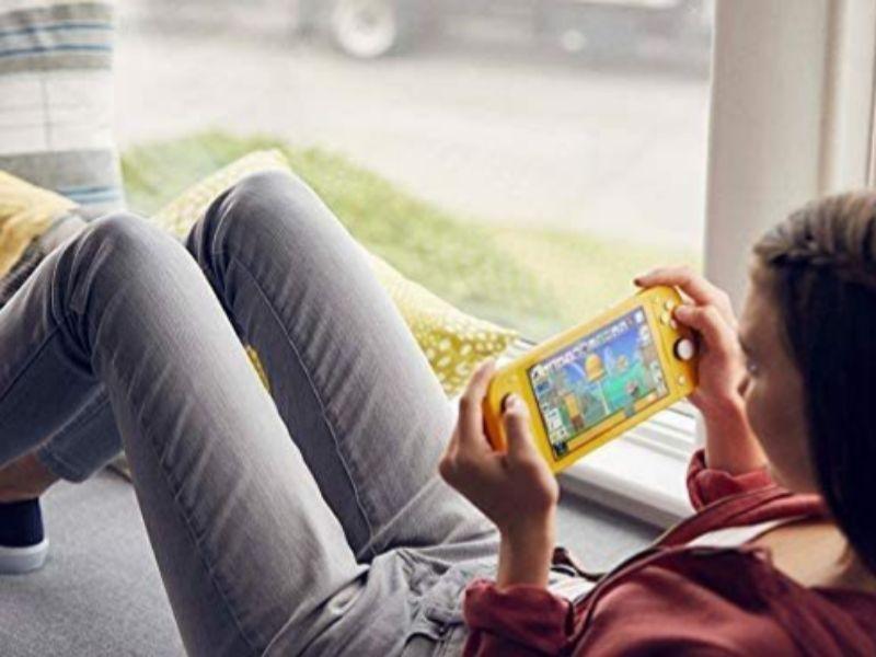 Los mejores juguetes y otros regalos de Navidad para niños: la Nintendo Switch y el Animal Crossing, un Monopoly del Real Madrid...