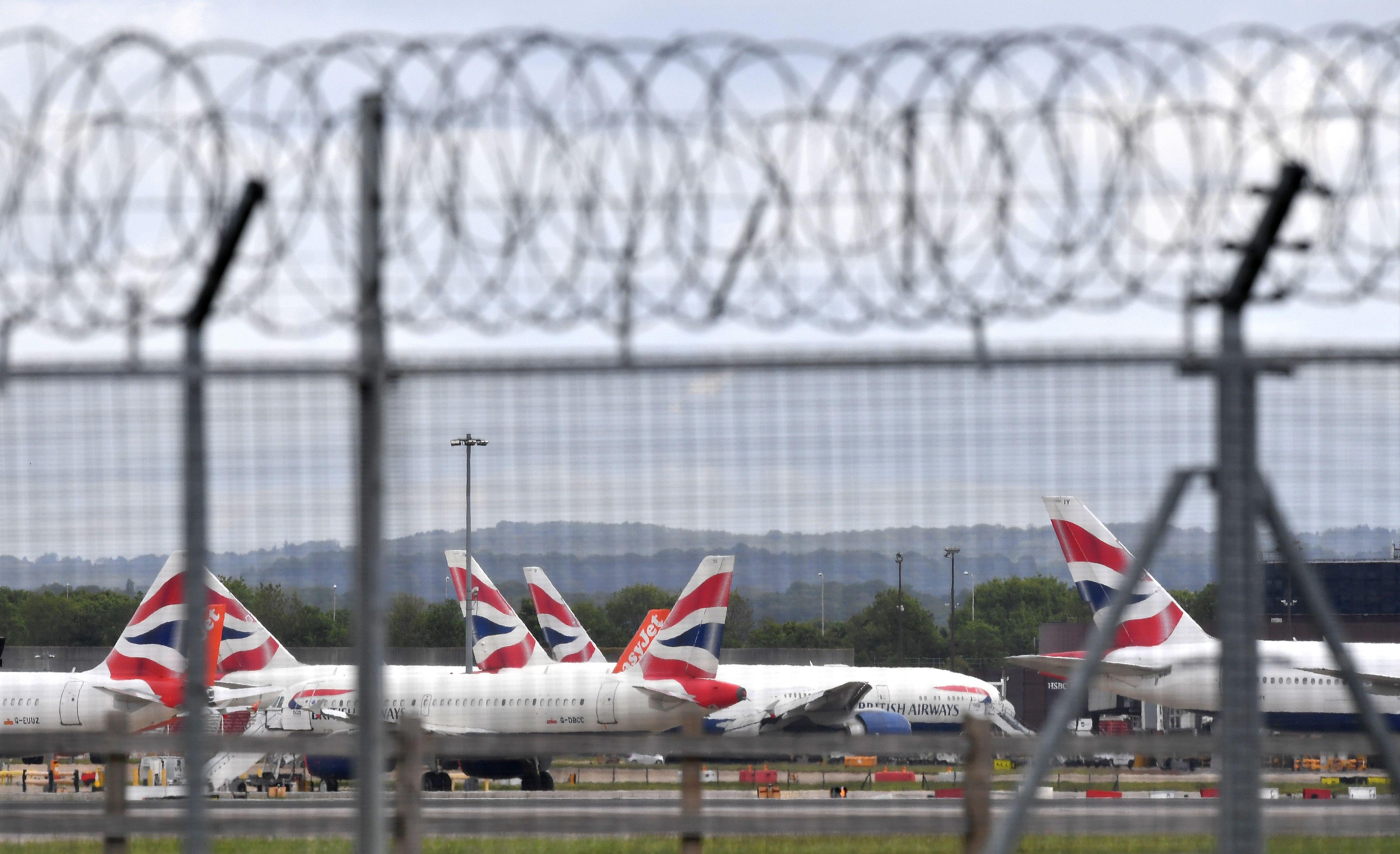 Aviones en el aeropuerto de Gatwick en una imagen de archivo.