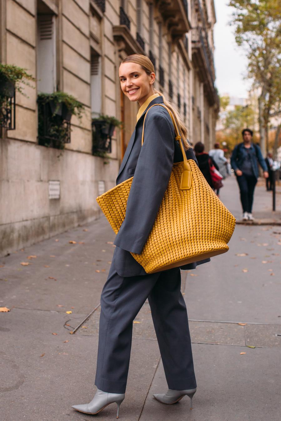 Oversize - Ideas para renovar tu bolso 'shopper' estas rebajas