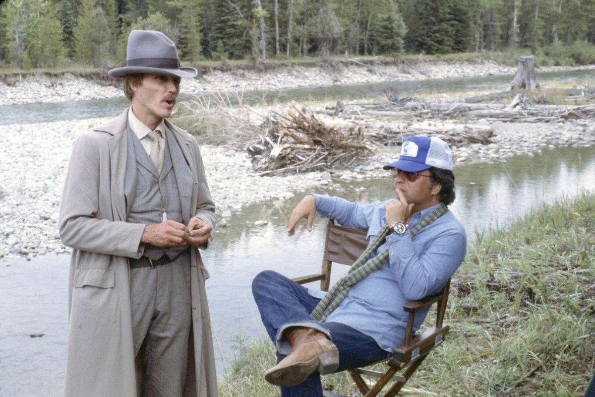 Christopher Walken y Michael Cimino en un momento del rodaje de 'La puerta del cielo'.