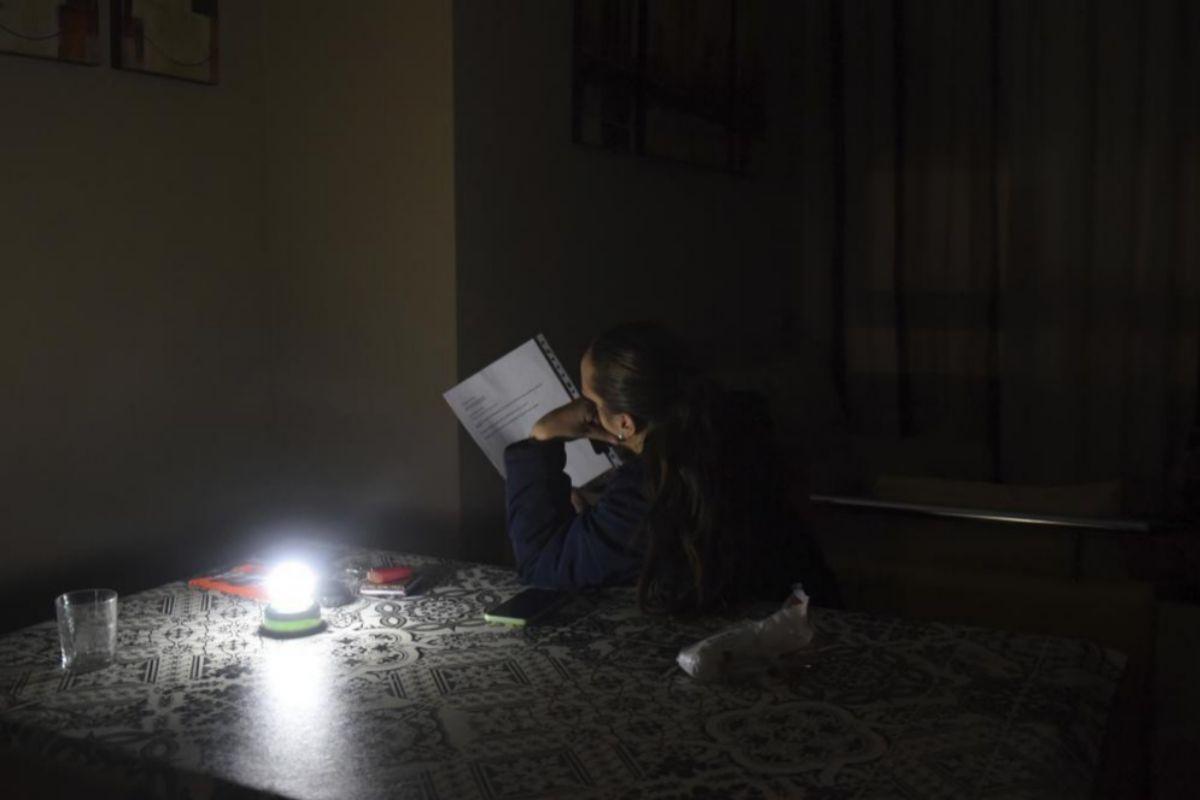 Navidades a oscuras en la Cataluña abonada a los apagones eléctricos |  Cataluña