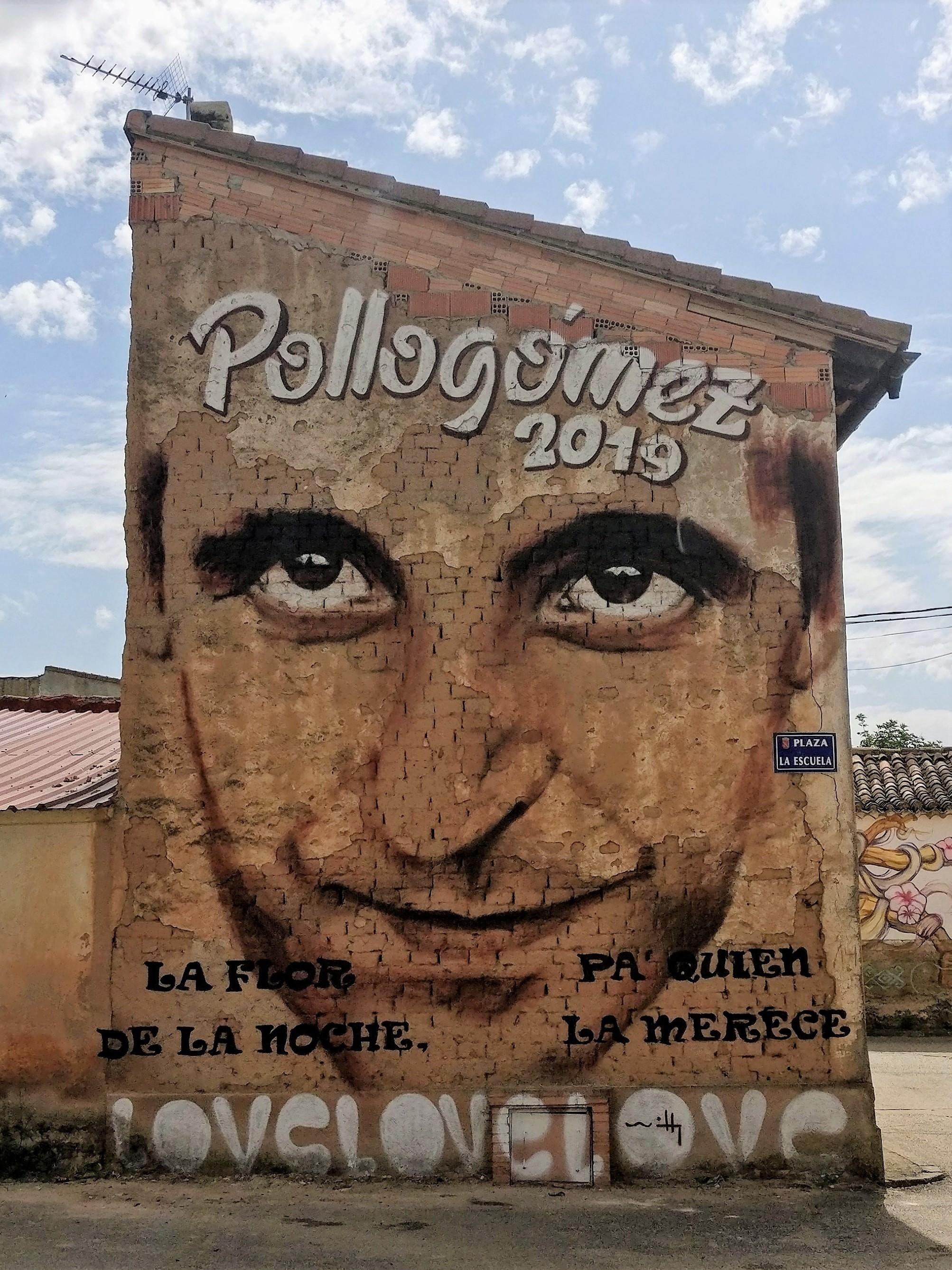 Cartel del Festival Pollogómez 2019 en la plaza de La Escuela.