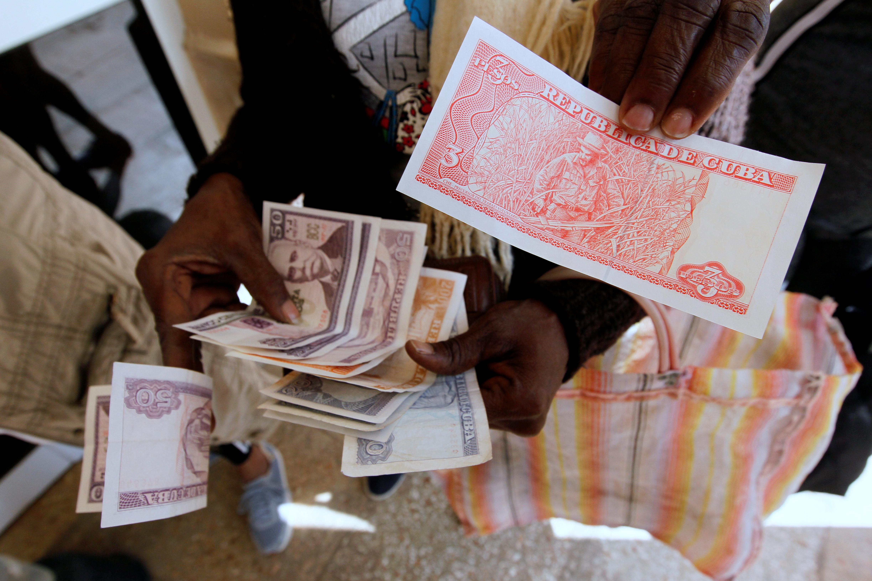 حسابهای پزوی کوبا در هاوانا.