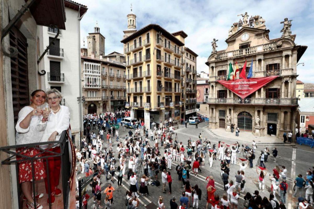 La sociedad española es la más feliz de Europa, el continente más pesimista, según un estudio