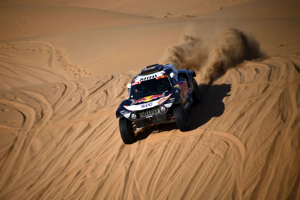 Carlos Sainz, durante la segunda etapa del Rally Dakar.