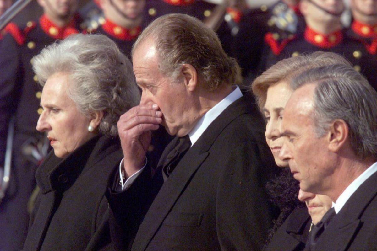 Don Juan Carlos enterró a su madre en su cumpleaños en el 2000