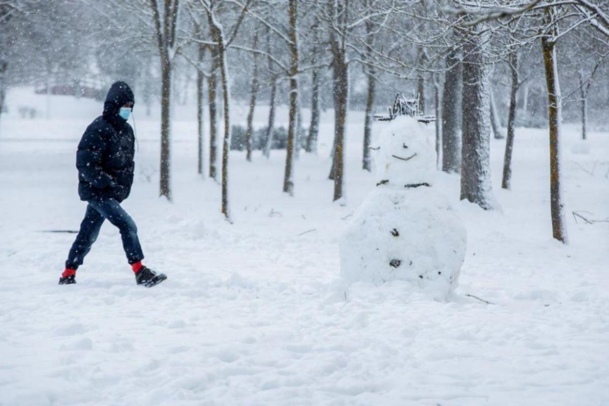 España recibe a los Reyes Magos con frío polar, nevadas y precipitaciones que se intensificarán el jueves