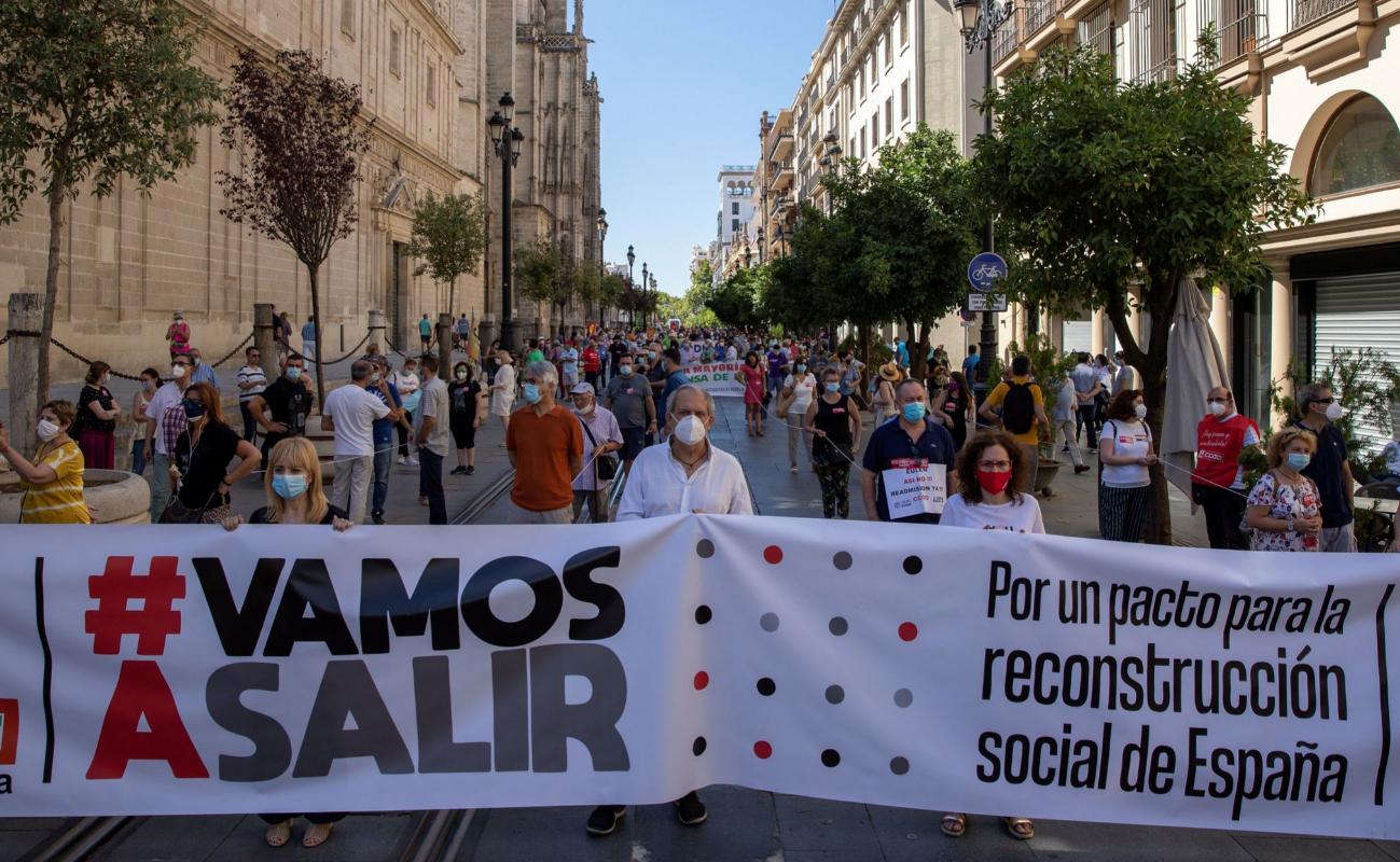 Manifestación convocada por los sindicatos en junio para pedir ayudas para los trabajadores afectados por los cierres.