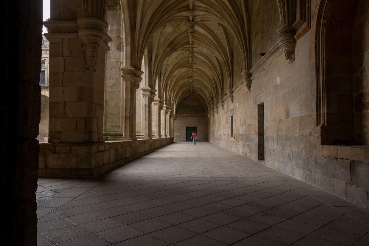 Uno de los claustros del Monasterio de San Salvador.