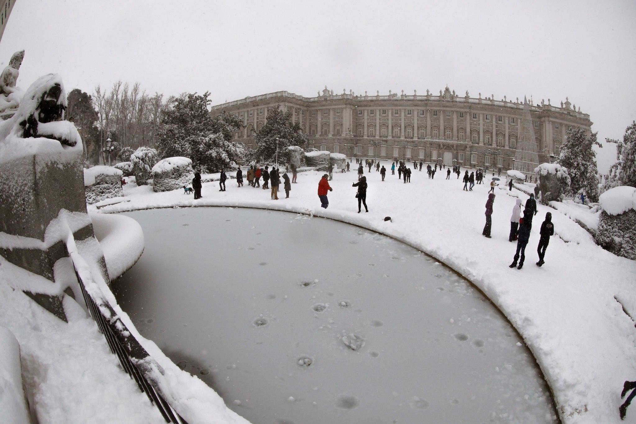 Vista de la Plaza de Oriente de Madrid, ayer.