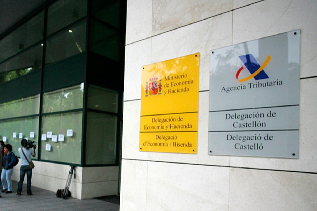 Fachada de la sede de la Agencia Tributaria en la ciudad de Castellón.