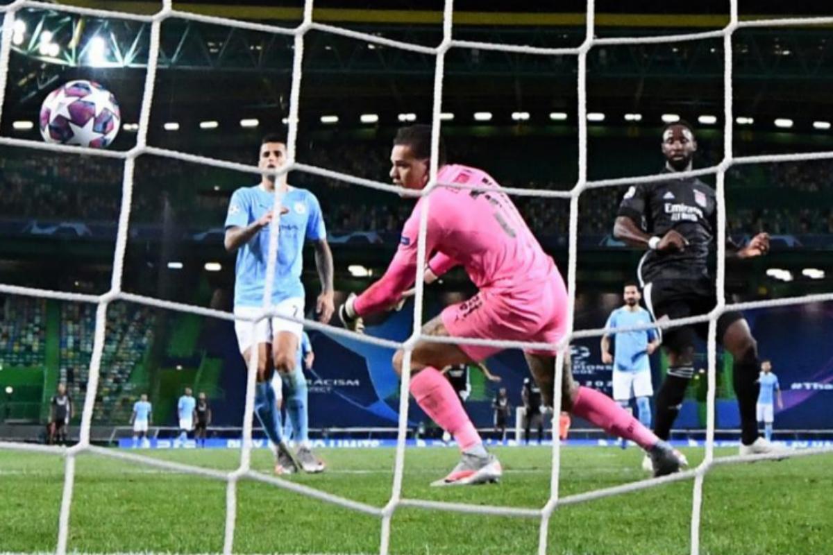 Dembélé marca un gol al City en la pasada Champions.