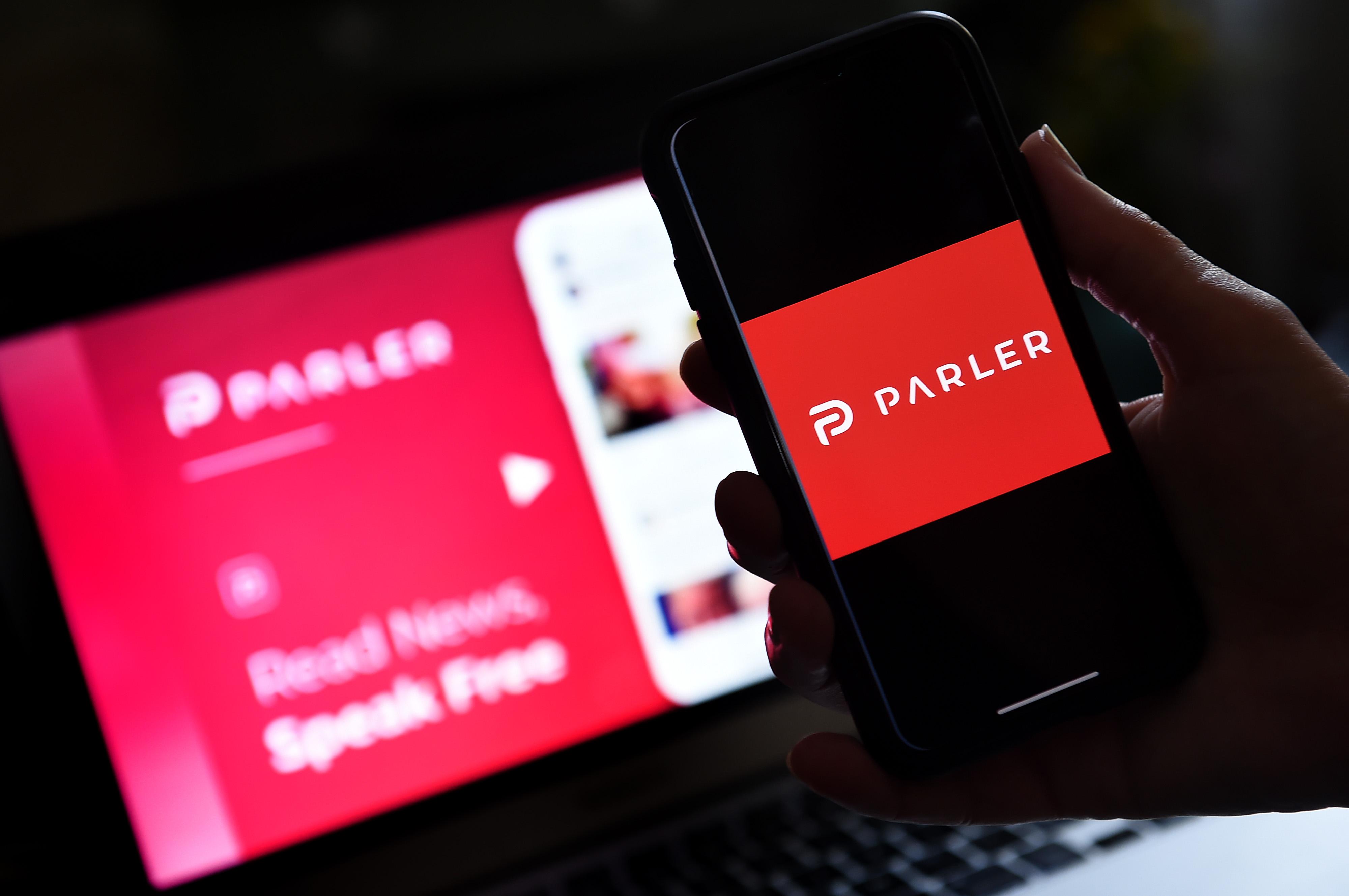 Página web y aplicación de la red social Parler.