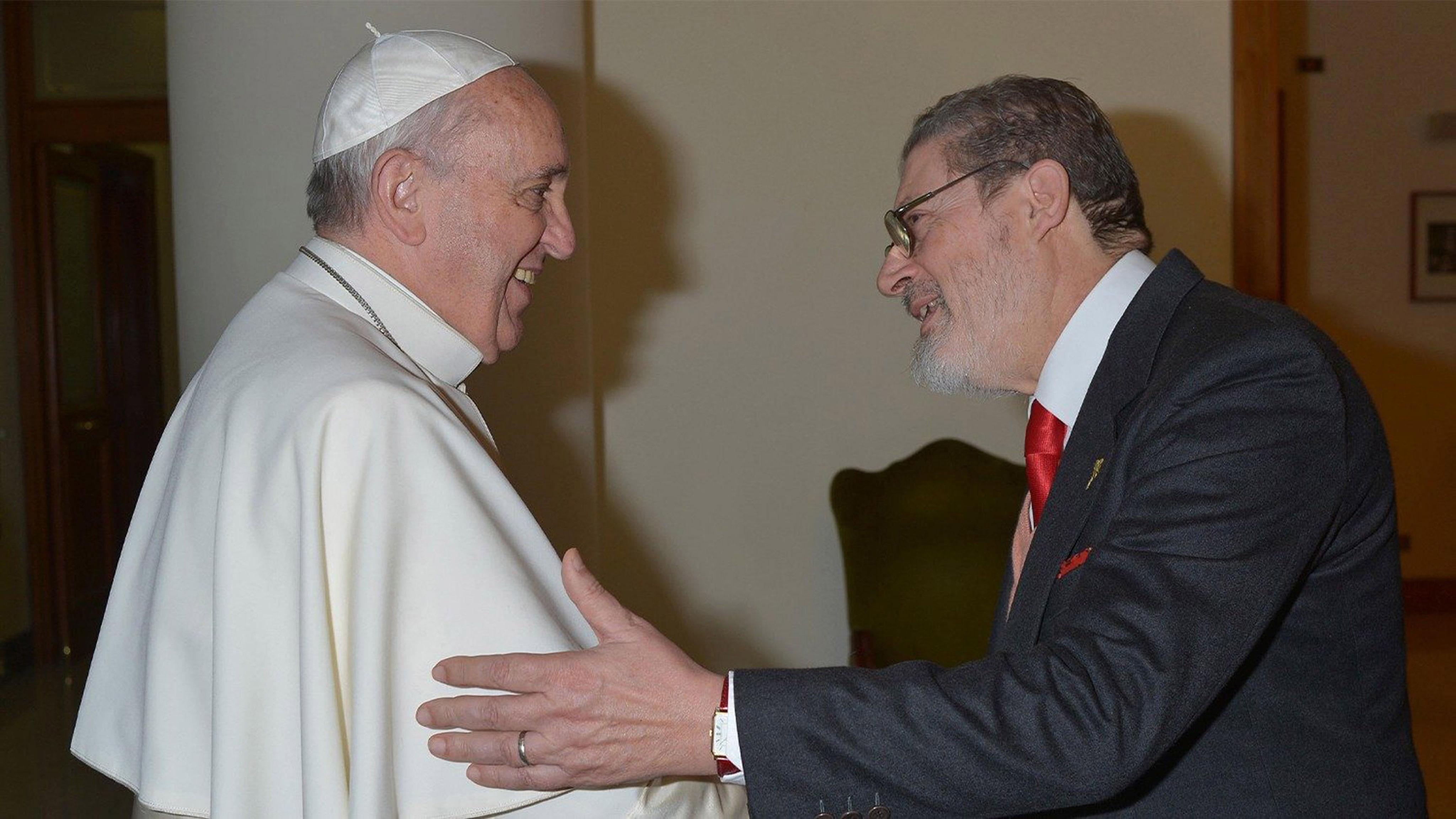 El Papa Francisco y Fabrizio Soccorsi, en una imagen de archivo.