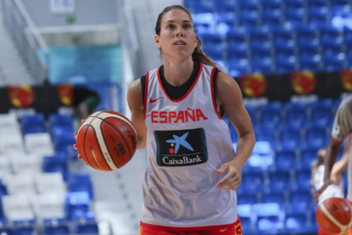 Anna Cruz, en un entrenamiento con la selección española.