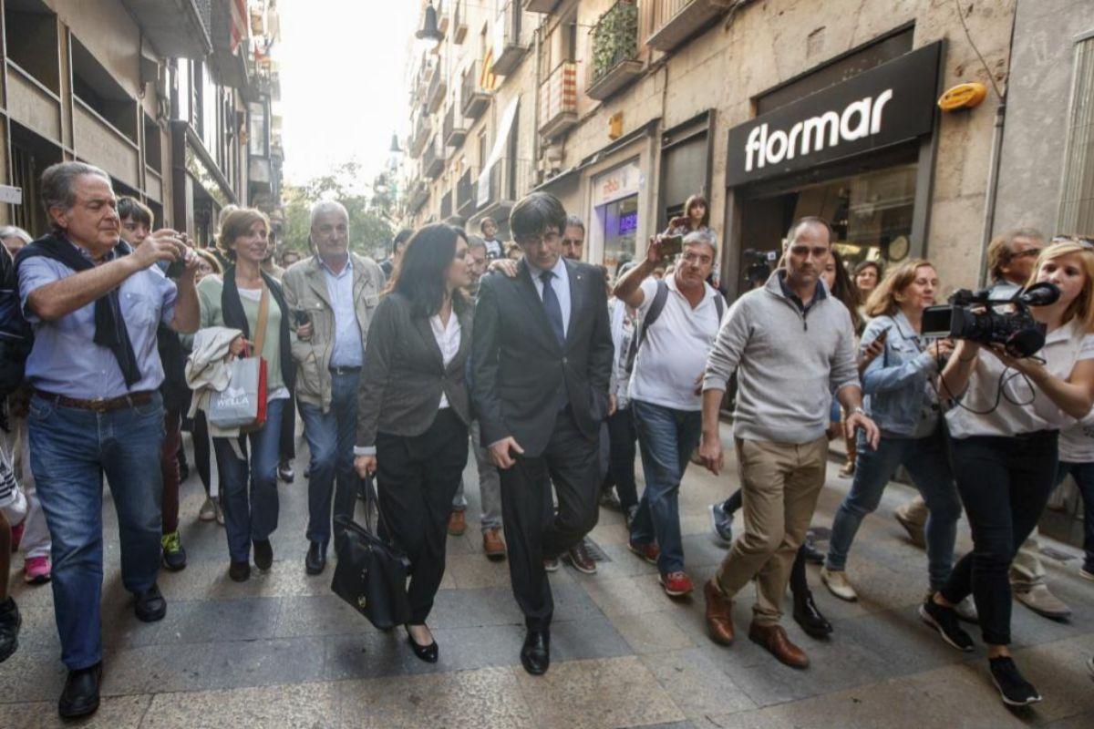 Último paseo público de Carles Puigdemont por Gerona.