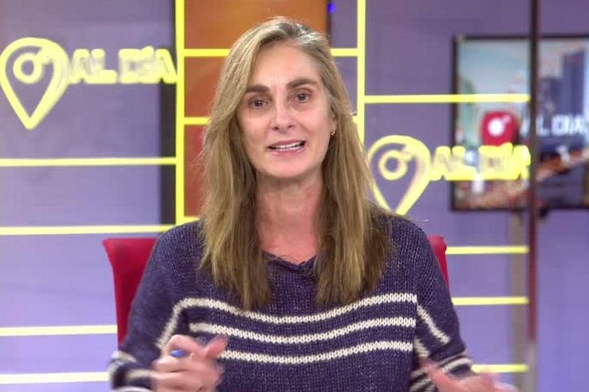 Cuatro al Día: Lluvia de halagos para Marta Reyero por hacer el directo sin maquillar tras llegar tarde por el temporal