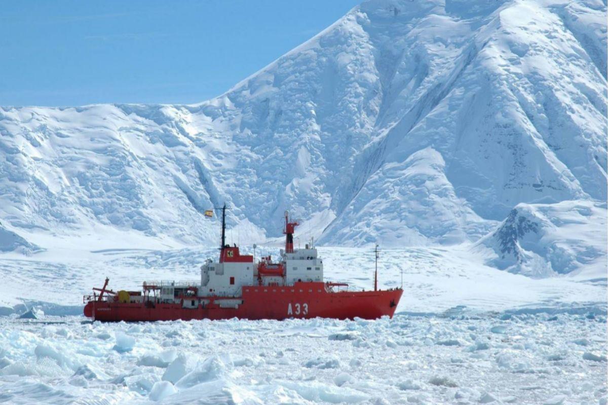 Imagen de archivo del buque Hespérides