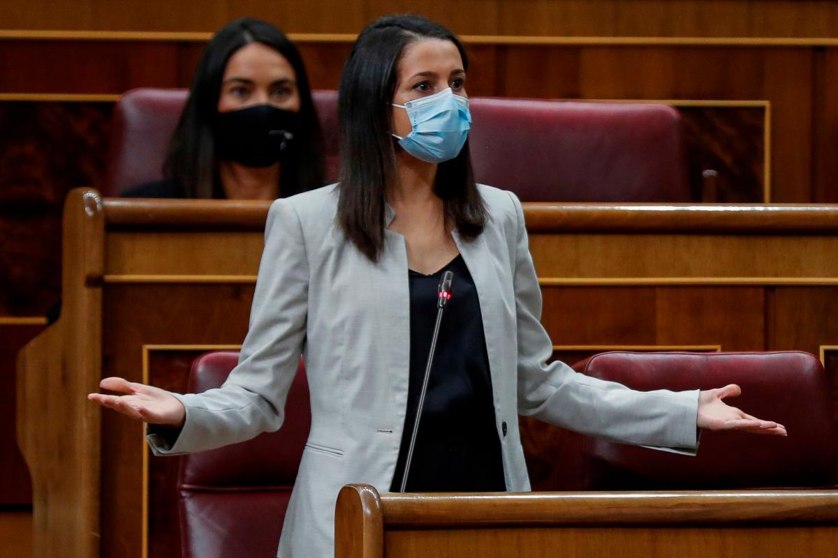 La presidenta de Cs, Inés Arrimadas, en una sesión en el Congreso.