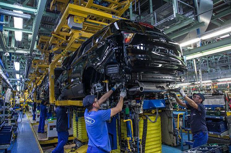 El futuro de la planta de Ford en Valencia pende de un hilo por culpa del abastecimiento de un semiconductor
