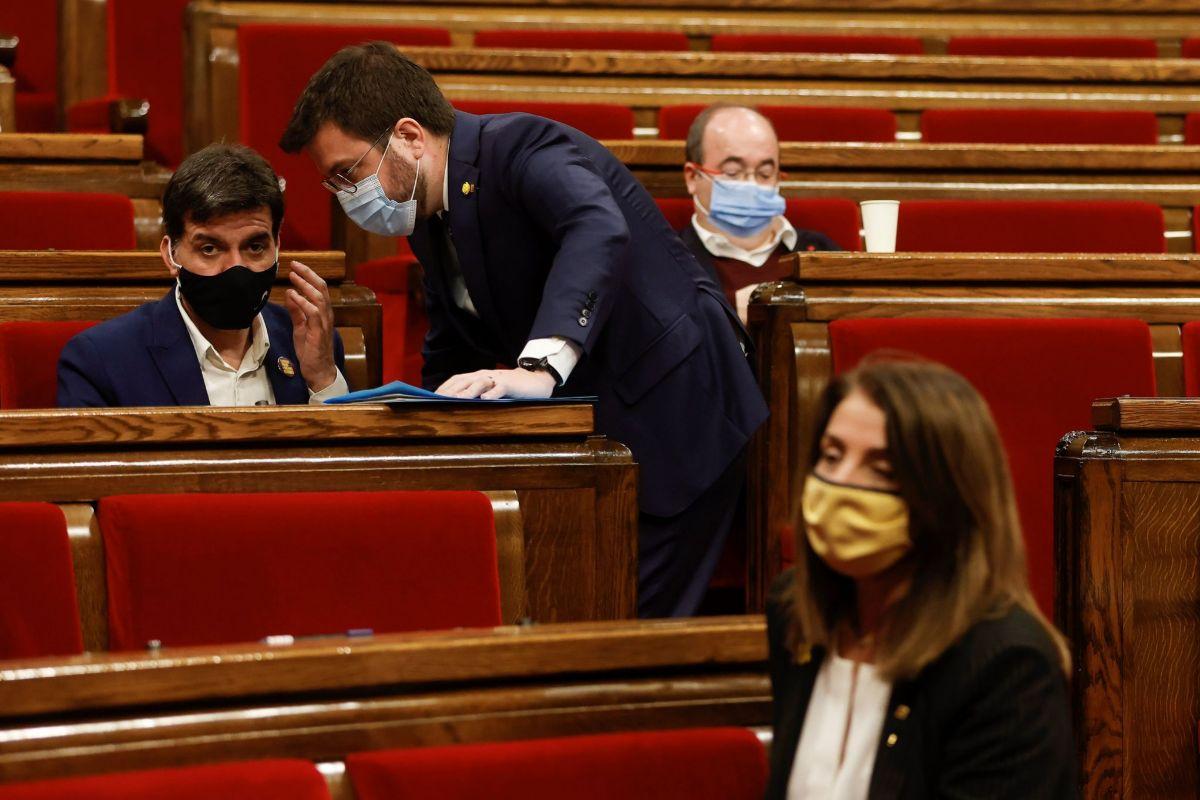 El separatismo impone a Illa el aplazamiento de las elecciones catalanas