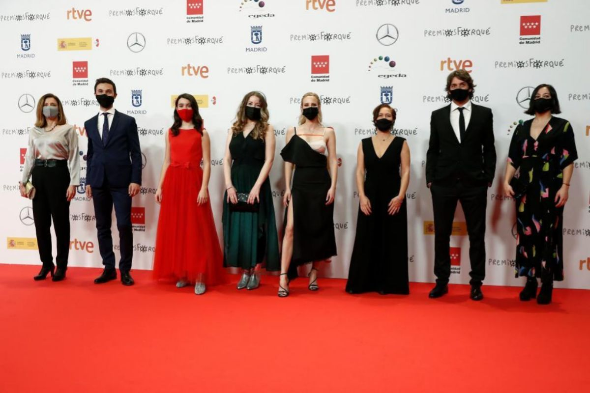 El equipo de 'La niñas' a su llegada a la gala de los Premios Forqué.