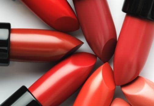 Pintalabios rojos, todo un símbolo de poder femenino. Foto: Shutterstock.