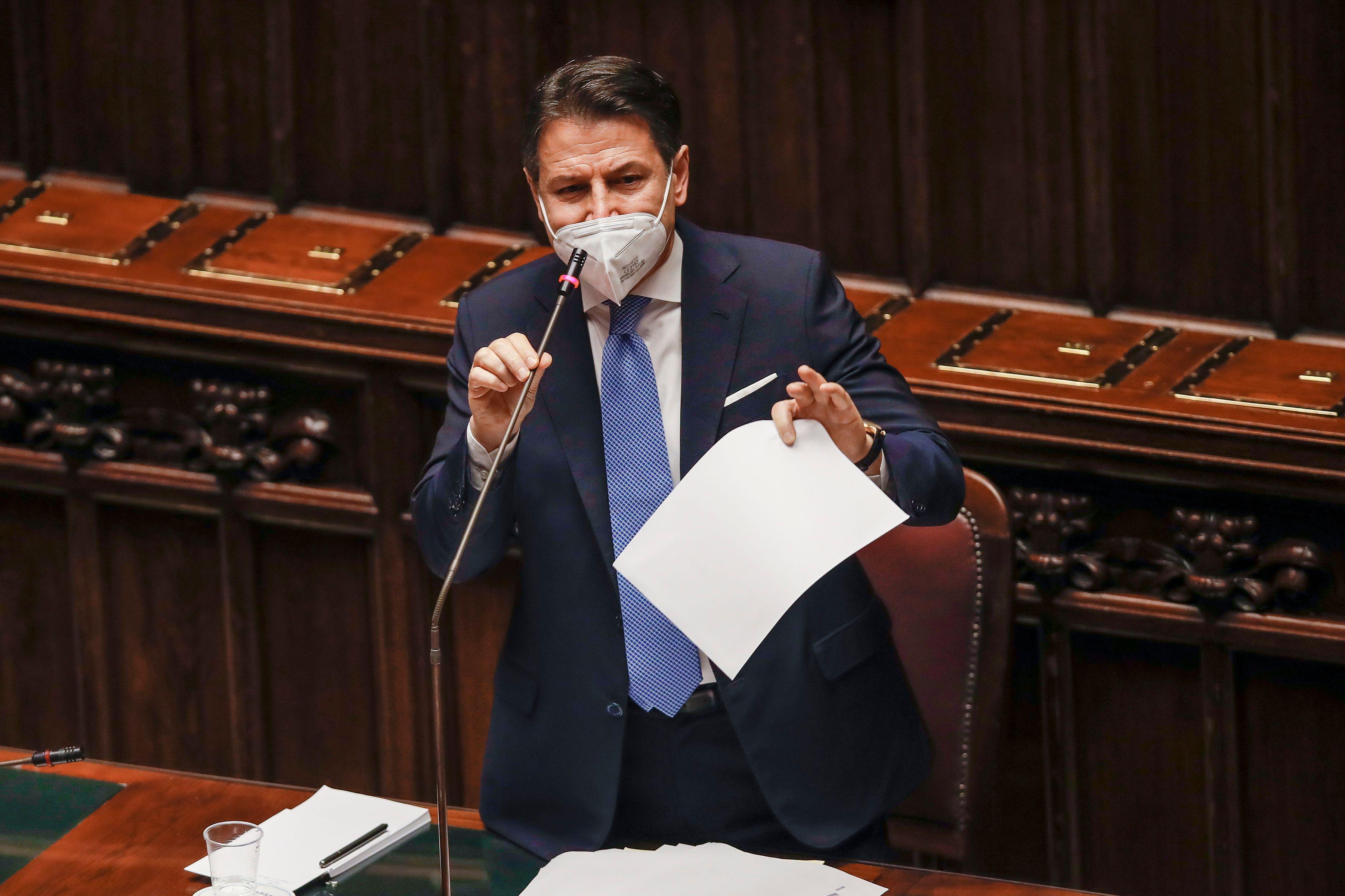 جوزپه كنته امروز در پارلمان ایتالیا سخنرانی كرد.