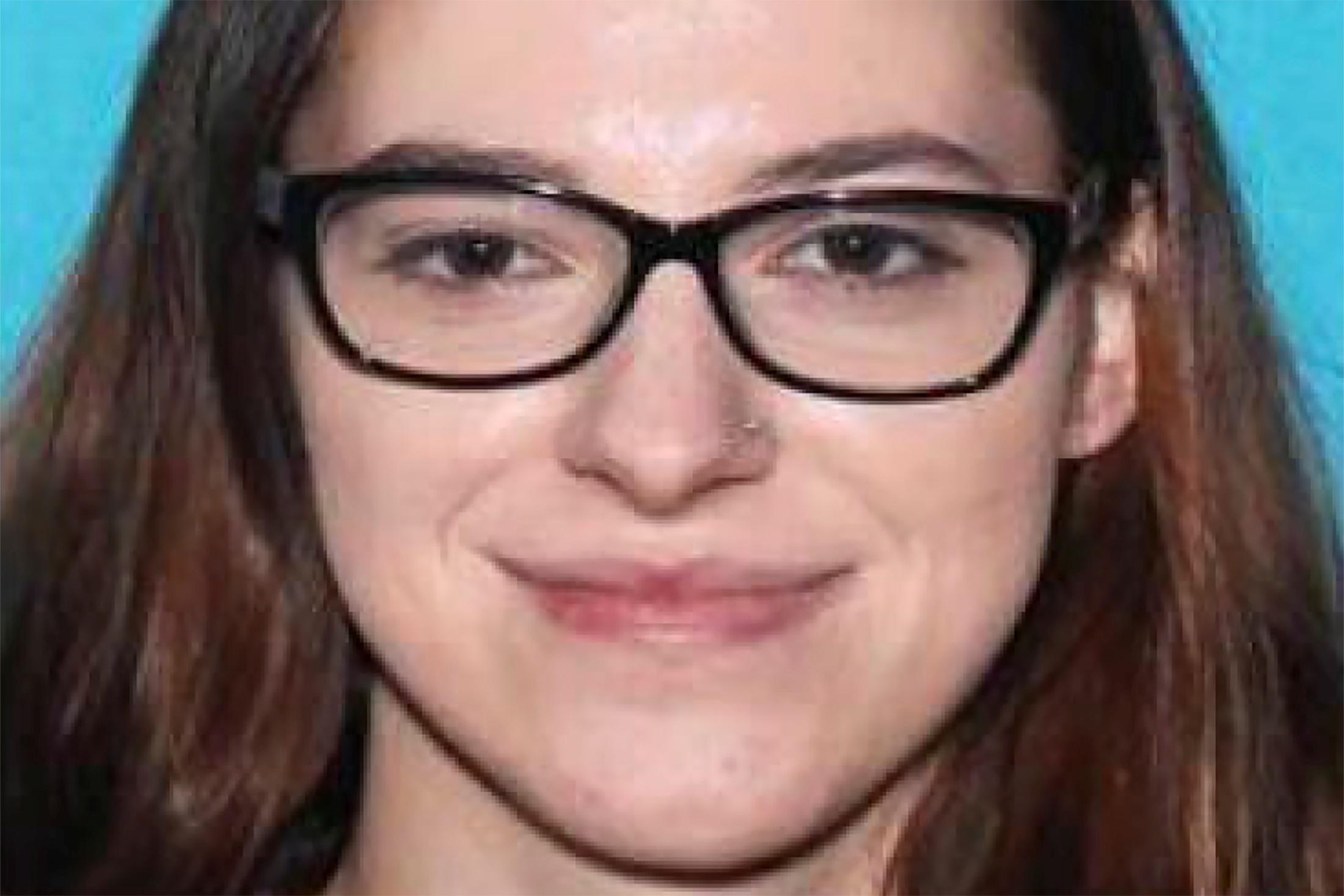 Riley June Williams, asaltante del Capitolio buscada por el FBI.