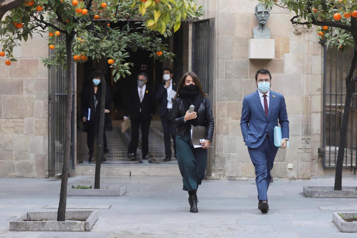 La chapuza de la suspensión de las elecciones deja a Cataluña en el limbo