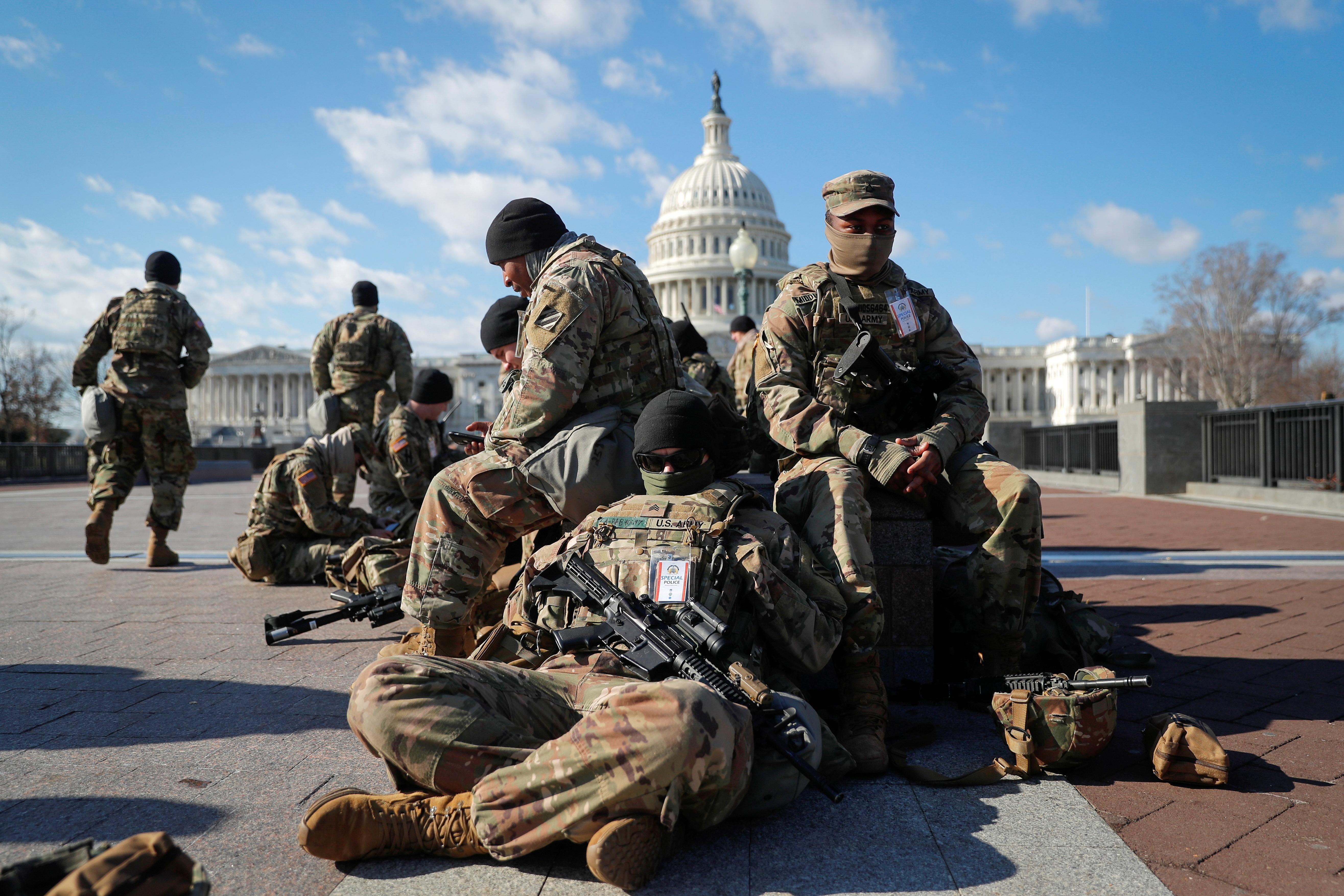 سربازان گارد ملی در اطراف پایتخت روز گذشته در واشنگتن.