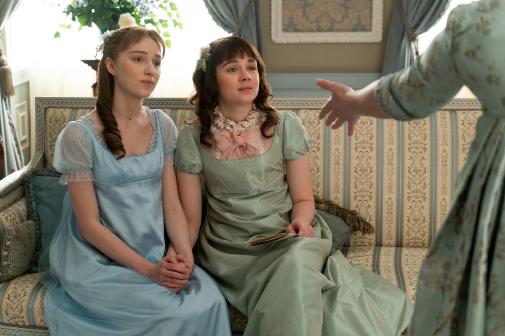 Cada una de las principales familias protagonistas utiliza una gama de tonos en su ropa.