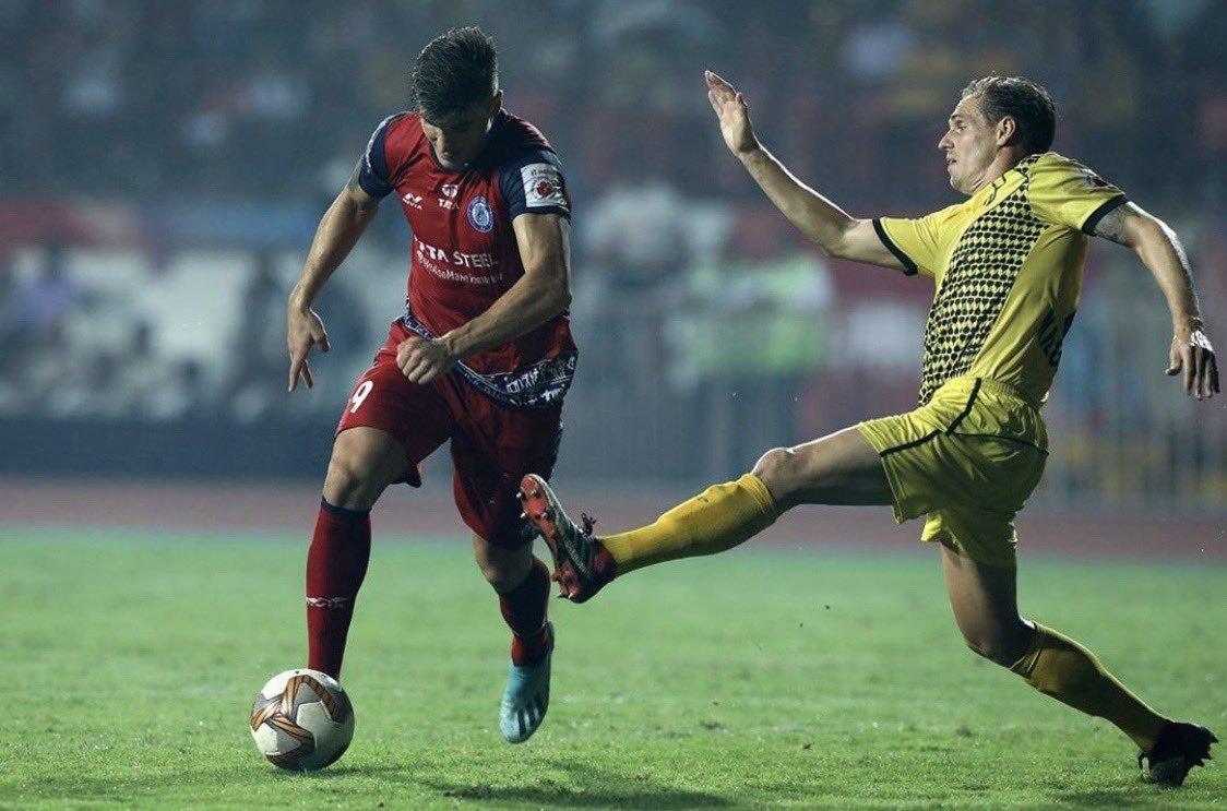 Sergio Castel durante un partido de la liga india.