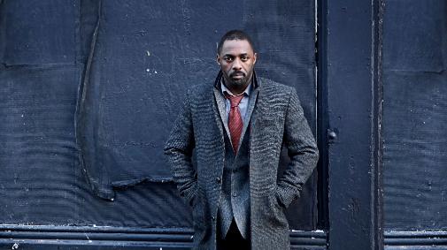 Idris Elba da vida a un detective que es una nota suelta en 'Luther'.