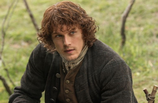 Sam Heughan da vida a un encantador y valeroso escocés del siglo XVIII en 'Outlander'.