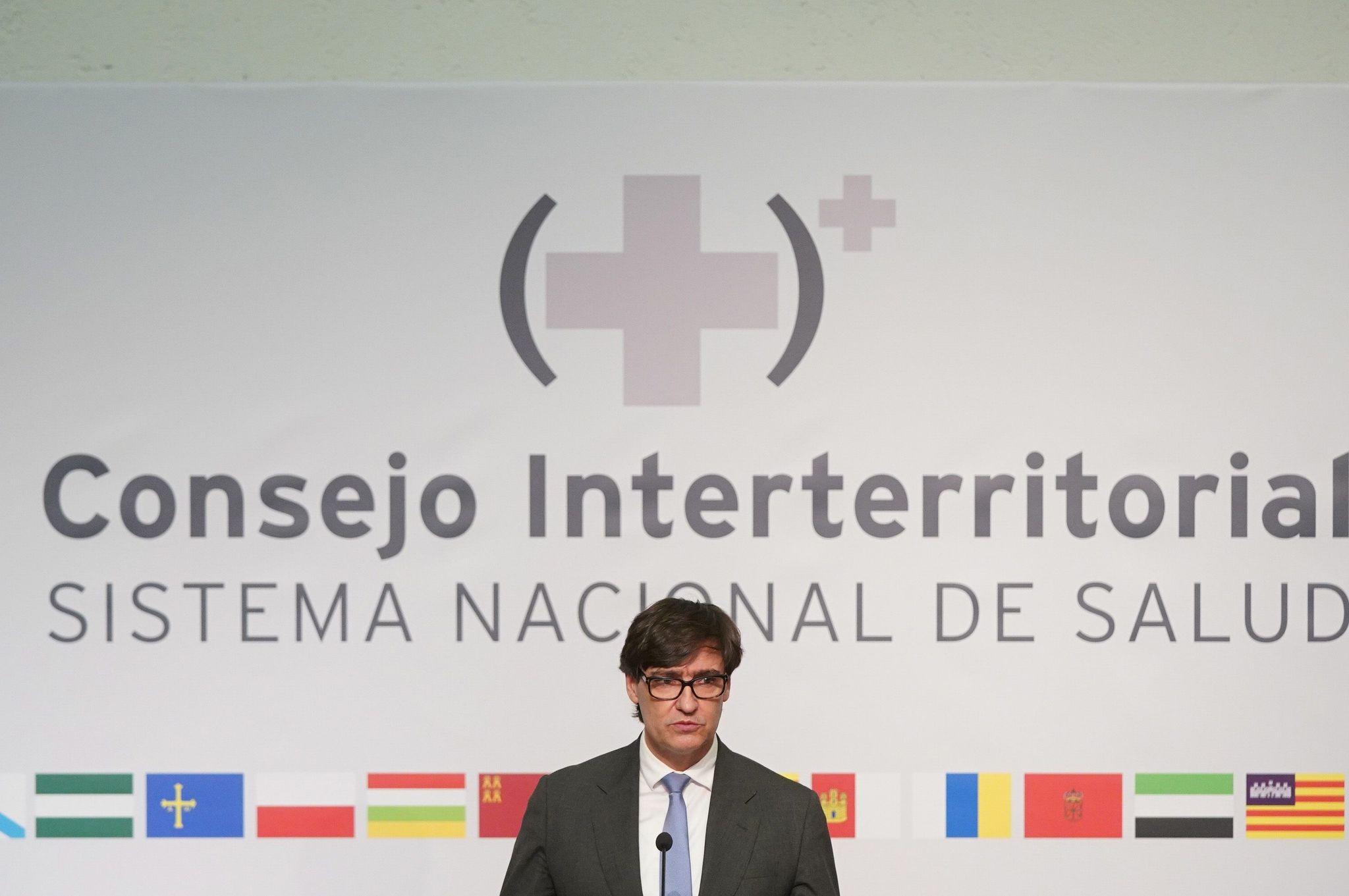 """Las autonomías, ante la inacción de Salvador Illa: """"Ministro, cuanto más tarde en decidirse, más contagios y fallecidos habrá"""""""