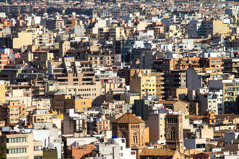 Vista aérea de varias zonas residenciales de Palma de Mallorca.