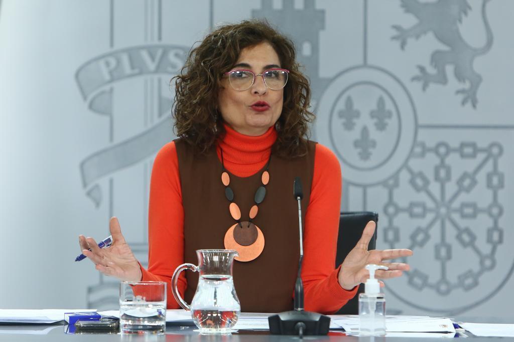 La ministra de Hacienda, María Jesús Montero durante una rueda de prensa.